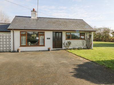 Photo for 2BR Cottage Vacation Rental in Pwllheli