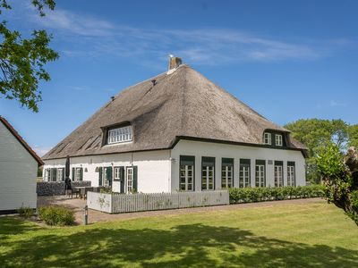 Photo for Apartment in a sunny location in a farmhouse in De Cocksdorp on the island of Texel