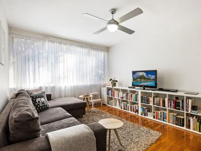 Photo for Comfortable Apartment Between St Kilda And City
