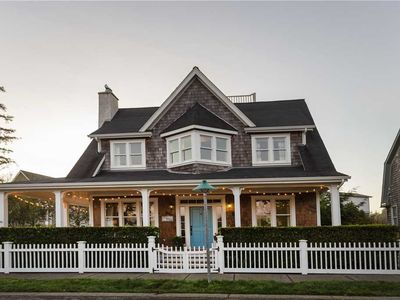 Photo for The Oyster House: 5 BR / 3 BA seabrook in Pacific Beach, Sleeps 11