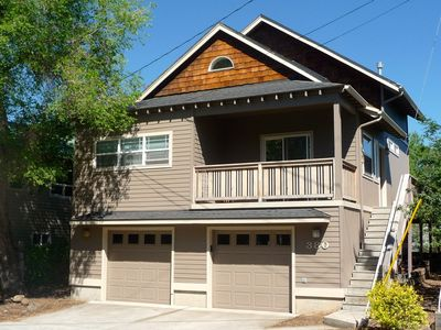 Stay In The Heart Of Bend, Walk Everywhere!  New Hot Tub!