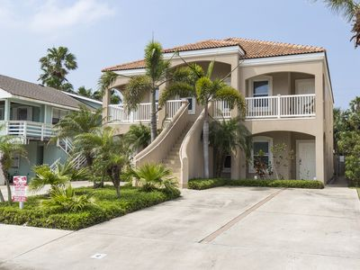 Pristine Condo w/ Pool, Just a Block from Beach! Walking Distance to Restaurants & Entertainment!