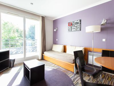 Photo for Superb bright apt with balcony Buttes Chaumont