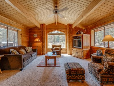 Photo for Cozy cabin w/resort attractions like shared pool & fenced yard