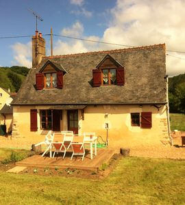 Photo for Beautiful 17th Century Detached Cottage, 6 km from Market Town