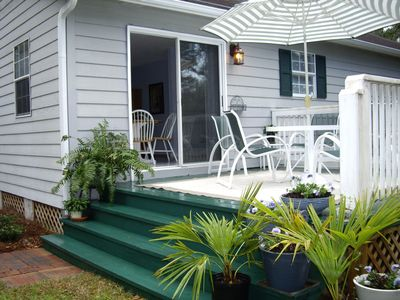 Photo for Charming Rose Cottage - quiet, minutes from beach, etc.