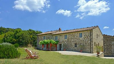 Photo for Montalcino Villa, Sleeps 8 with Pool and Air Con