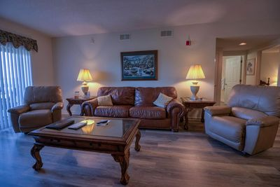 2 Br Sleeps 6 Recliners City View Clean Pools Open Pigeon Forge