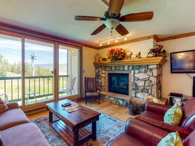 Photo for Charming ski-in/ski-out condo w/ gas fireplace and shared pool & hot tub access!