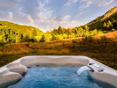 Photo for ***Elegant Mountain Cabin Getaway with Hot Tub***