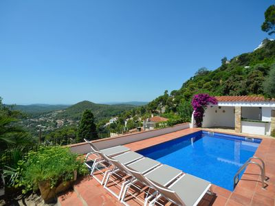Photo for Large property for 14 people with private pool and sea views.