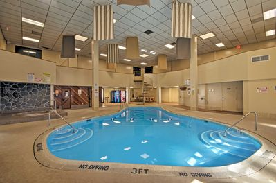 Six guests can enjoy access to the Pinnacle Inn Resort amenities.