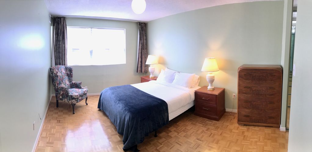 Peachy Large 2 Bedroom Unit At High Park Old Toronto Home Remodeling Inspirations Cosmcuboardxyz