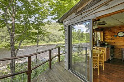 Book this Warrensburg vacation rental cottage for everlasting memories!