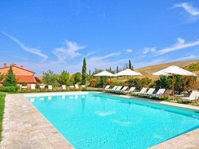 Photo for Private Villa with WIFI, private pool, TV, patio, panoramic view, parking, close to Montepulciano