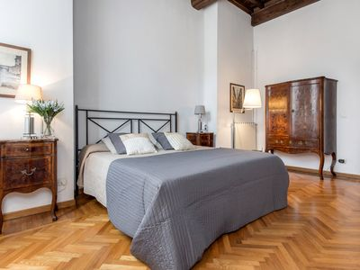Photo for DUOMO at 800m Florence Centre, 3 bedrms, sleeps 8, WIFI, renovated kitchen