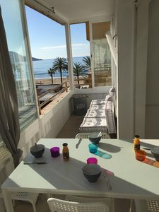 Photo for Roses: seafront, 60m2, beach with pool, WIFI