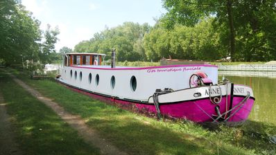 """Photo for Houseboat Tjalk """"the Annet"""""""