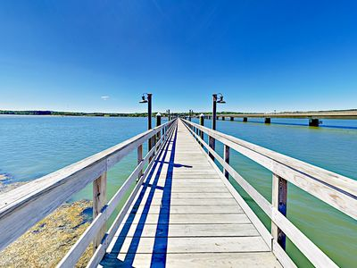Location - Enjoy a stroll on the dock over Sheepscot River.