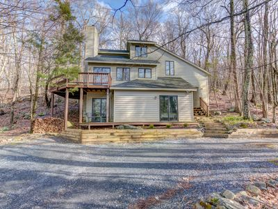 Photo for Relaxing 3 BR Mountain Cabin on Wintergreen Resort