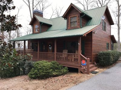 Photo for 4br/3ba, sleeps 10, hot tub, wifi, wood burning fireplace and fire pit.