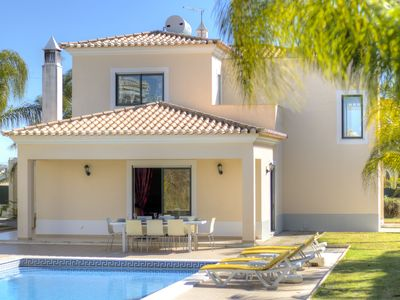 Photo for Villa in Carvoeiro with 4 bedrooms and capacity for 8 people