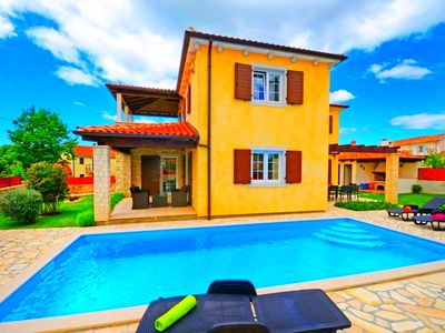 Photo for DREAMY VILLA * 3 BEDROOMS * 8 PEOPLE * PRIVATE POOL * DOGS ALLOWED