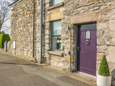 Photo for BANK END COTTAGE, pet friendly in Ingleton, Ref 932598