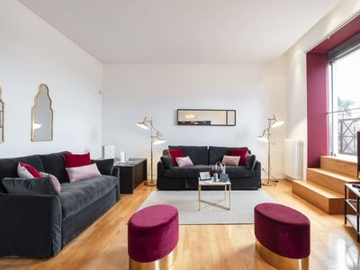 Photo for Luxurious 3-bedroom Apartment few steps from Colosseum