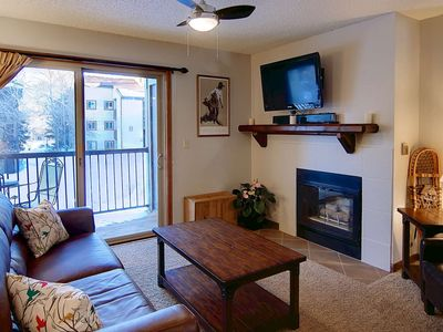 Photo for Off-Season & Summer Deals! Cozy Condo, Walk to Mtn, Free Bus, Community Pool & Hot Tub, Balcony