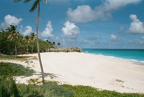 Quiet tropical paradise beaches either side