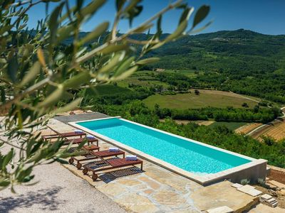 Photo for Beautiful villa with stunning view of Motovun