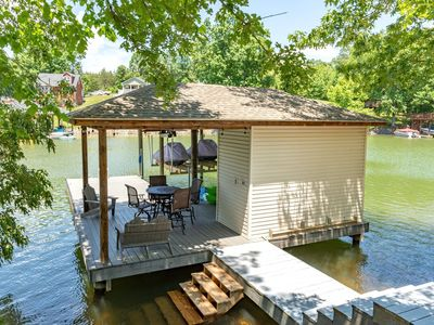 Photo for Lake Lover's Delight--Waterfront, private dock, 2 kayaks, Pool table & air hockey