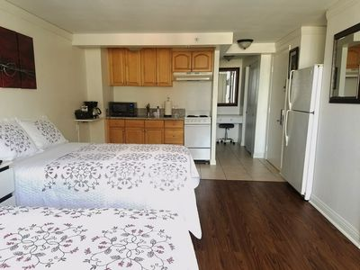 Clean and Recently Renovated Studio for up to Five Guests in Waikiki