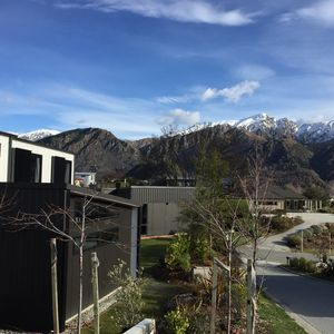 Photo for 4 Bedroom Luxury Home Arrowtown