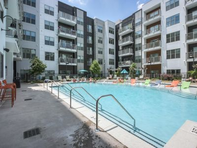 Photo for Luxurious Dowtown 2bed 2 bath 4th Floor Condo- #416