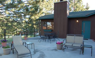 Photo for Family Friendly Cabin, Private 7 person outdoor Hot Tub, 2 miles town