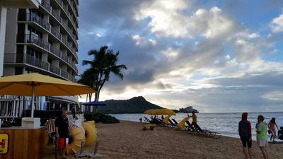 Photo for 5 minutes from Waikiki Beach, Ocean Views, Free Parking, Wifi & Cable TV