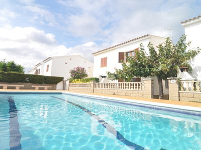 Photo for HOUSE WITH COMMUNITY POOL AND TENNIS TO 500 METERS FROM THE BEACH