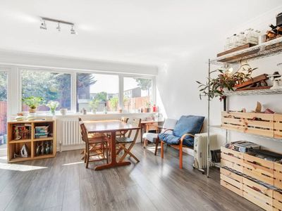 Photo for Airy 2bed flat in East London with Large Garden