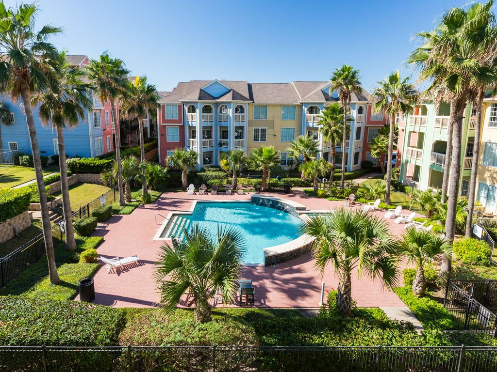 Area Not Impacted By Hurricane 2br Galveston Condo On The Seawall W Pool