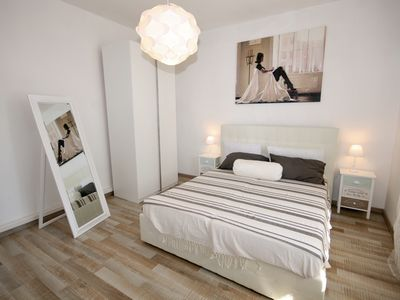 Photo for Holiday home with free park, wifi internet, A / C, kitchen - House21Venice