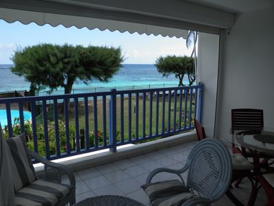 Photo for Very nice F2 facing the sea, direct access to Sainte-Anne beach, swimming pool, tennis