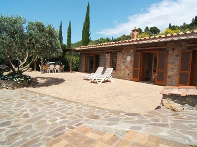 Photo for Wonderful private villa for 8 guests with WIFI, TV, patio, pets allowed, panoramic view and park...