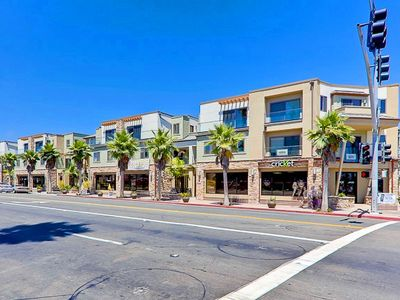 Photo for Prime Pacific Beach Location- Air-conditioned! SPECIAL: June 3rd-8th! Low Rates