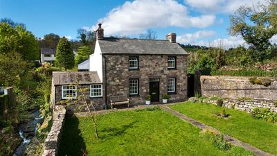 Photo for Rock Cottage - Four Bedroom House, Sleeps 6