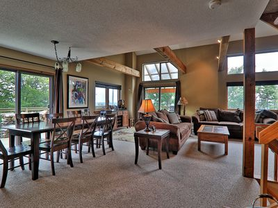 4 bedroom Trailside Townhome with Private Hot Tub, Multi Level Unit.