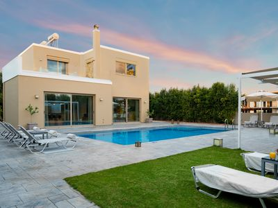 Photo for Villa Meliti, 300 meters from the sandy beach of Kalamaki, 5 km from Chania town