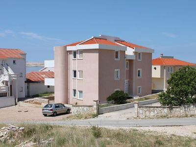 Photo for Apartment in Kustići (Pag), capacity 4+2