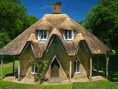 Photo for GINGERBREAD HOUSE, pet friendly in Ilminster, Ref 975953
